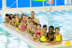 image of children at swimming class